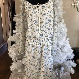 Jessica Simpson blue and white floral dress